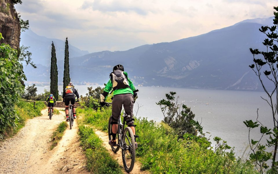 Incredible Mountain Bike Excursions on the Lake